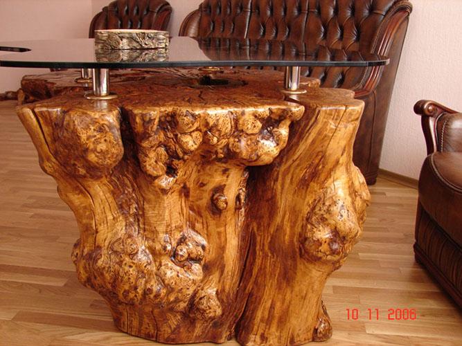 Стол из цельного куска дерева