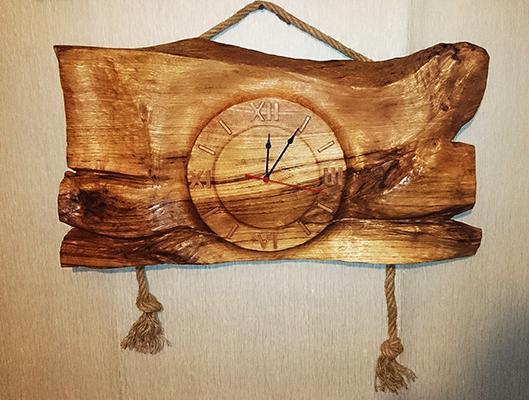 Часы из из массива дерева